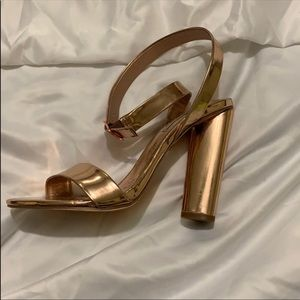 Steve Madden Rose gold